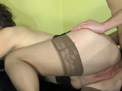 Sultry mamma receives in-heat tempting her youthful neighbor into poking her butt