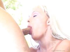Tempting Layla Jade throat bonks a unbending skin flute